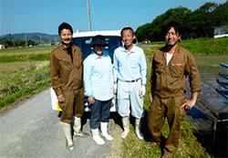チームワークが抜群で笑顔が絶えない熊谷ファームの皆さん!